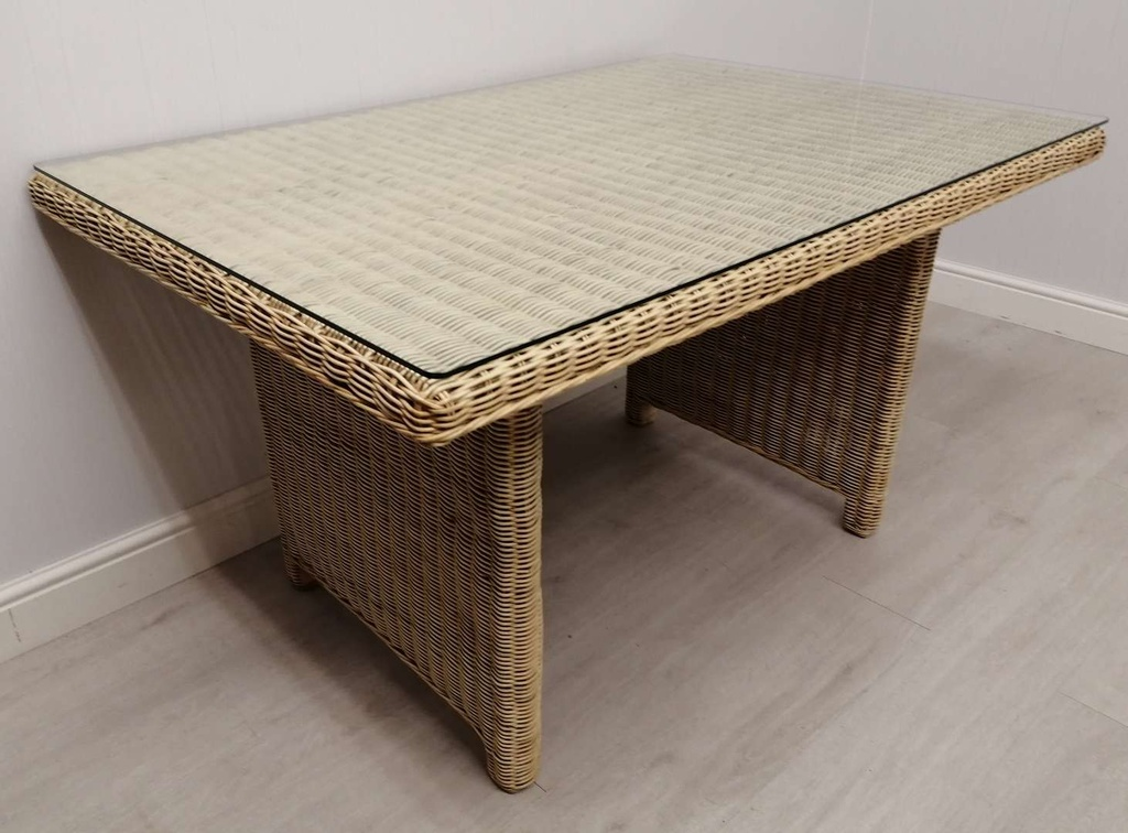 "4ft2"" Glass Top Wicker Table"
