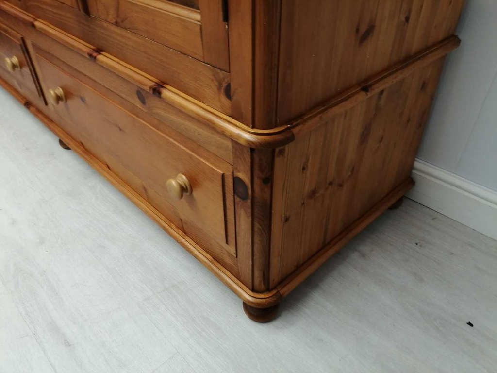 Large Pine Triple with Drawers